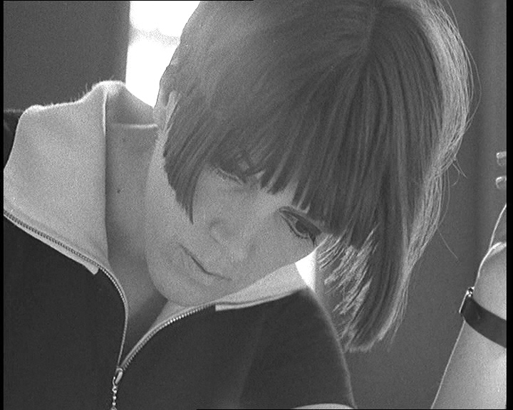 Fashion designer Mary Quant is the subject of an episode.