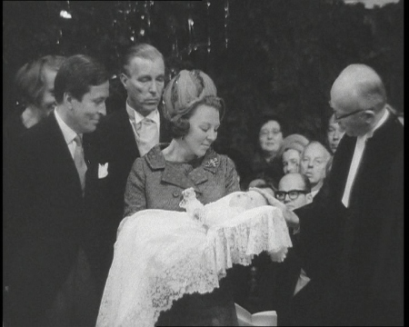ROYAL_CHRISTENING_2065_29_61