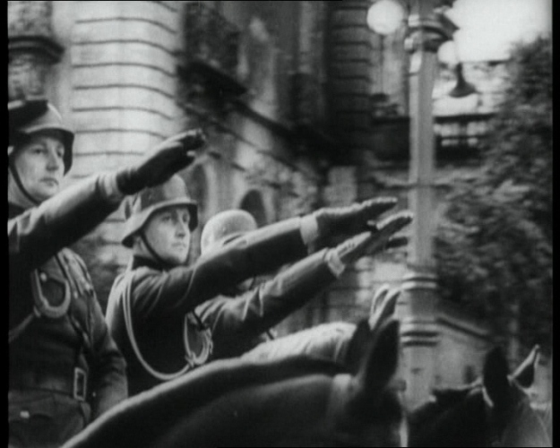 CAPTURED_GERMAN_NEWSREEL_-_SEPTEMBER_1939_614_19_283